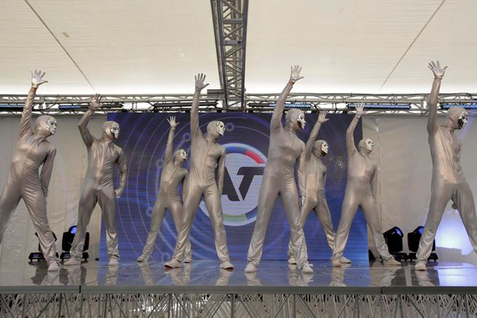 EMU Launch Dancers