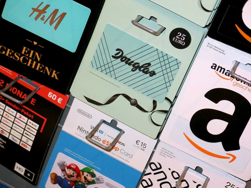 Different types of gift cards - H&M, Amazon, Nintendo