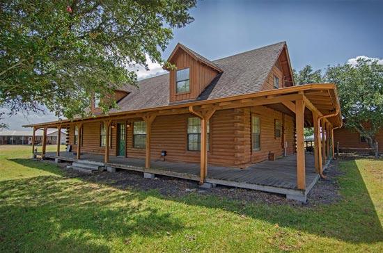 Cabin in Burton, TX