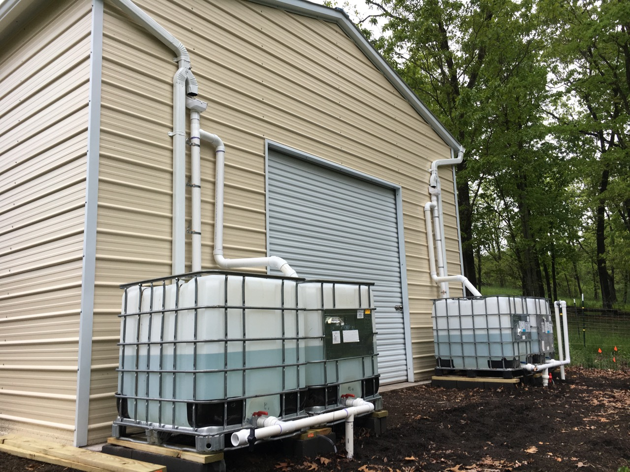 Great escape farms large rainwater harvesting system for Rainwater harvesting at home