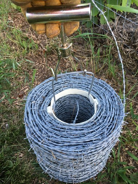 Great Escape Farms Easy Fence Barb Wire Tool Product Review - Great ...