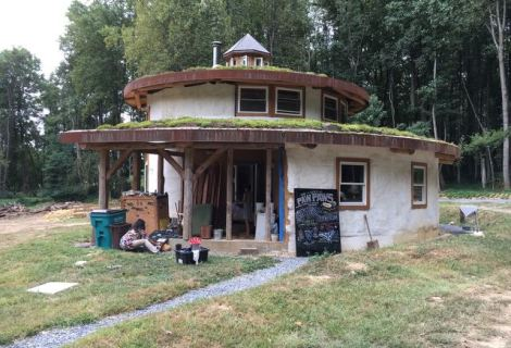 Michael Judds Round Straw Bale House