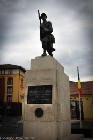 Monument to fallen heroes