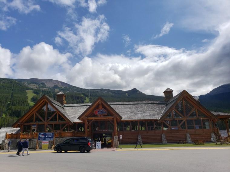Canada-Lake-Louise-Ski-Lodge