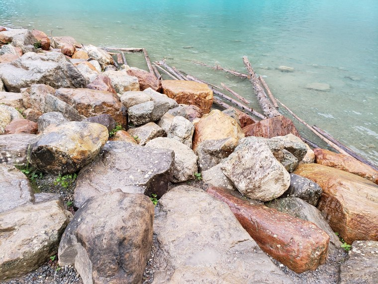 Lake-Moraine-Canada