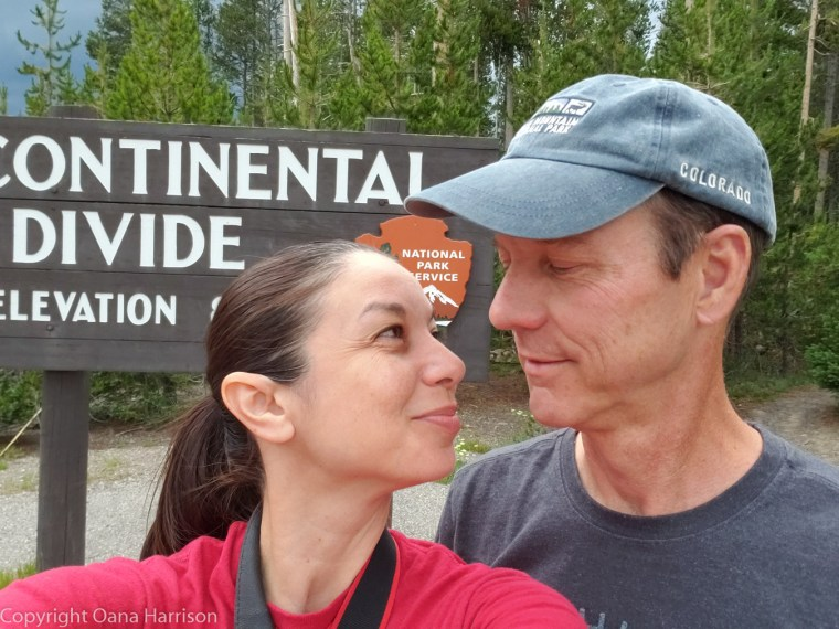 Oana-and-David-at-Continental-Divide-Yellowstone