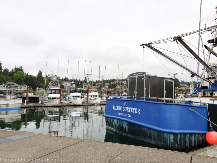 Newport-OR-Pacific-Surveyor-boat