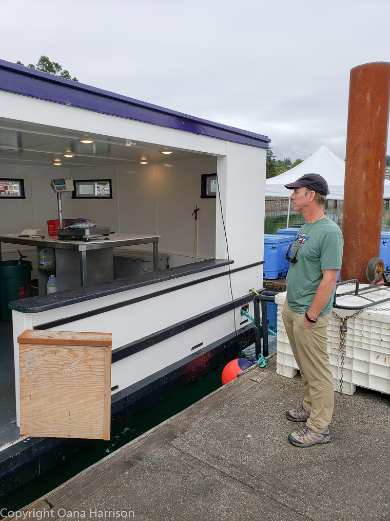 Newport-OR-Chelsea-Rose-David-buying-fresh-tuna