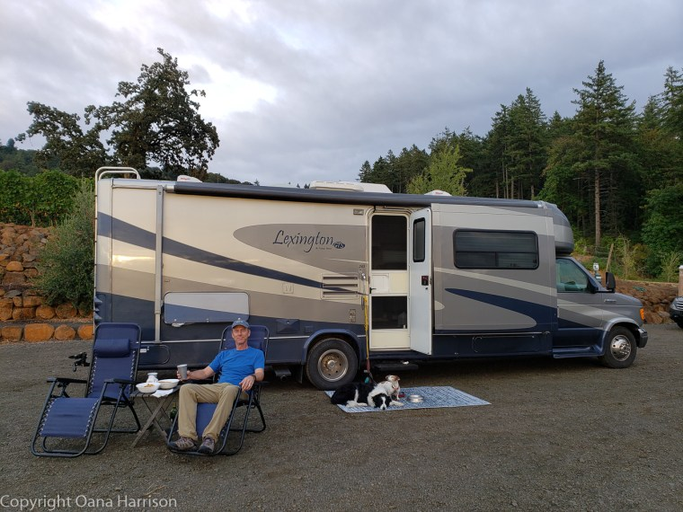 Eola Hills Legacy Winery Salem Oregon David and dogs by RV