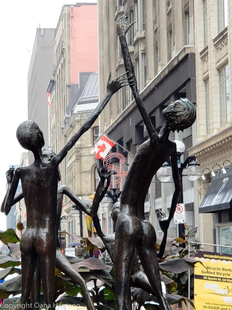 Ottawa-Canada-downtown-sculpture