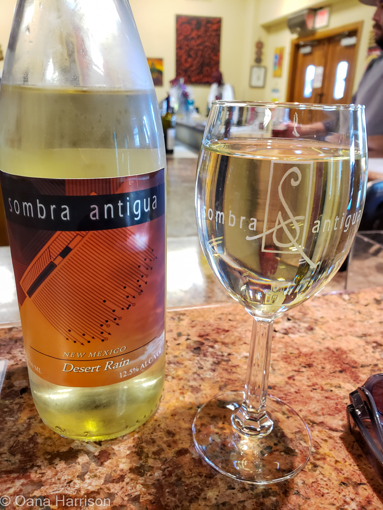White wine, Sombra Antigua Winery, Anthony, Texas