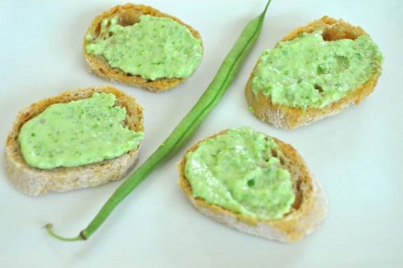 Green Green Crostini