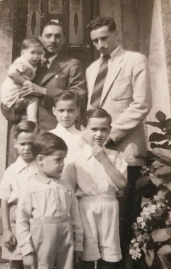 Leslie Biden along with his brother Arthur and his family in Surrey England. Image Joe Biden family