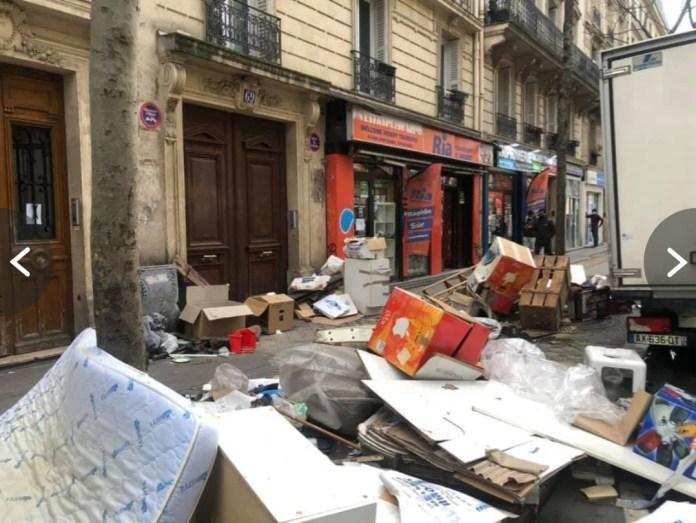 Saccage Paris Garbage Dump