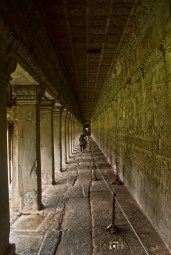 The inner walls of the outer gallery bear a series of large-scale scenes mainly depicting episodes from the Hindu epics the Ramayana and the Mahabharata.