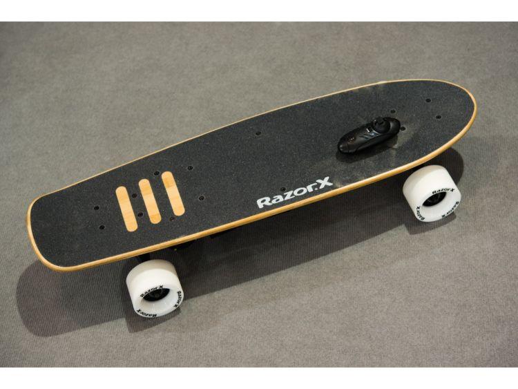 razor skateboard gift ideas for teenagers
