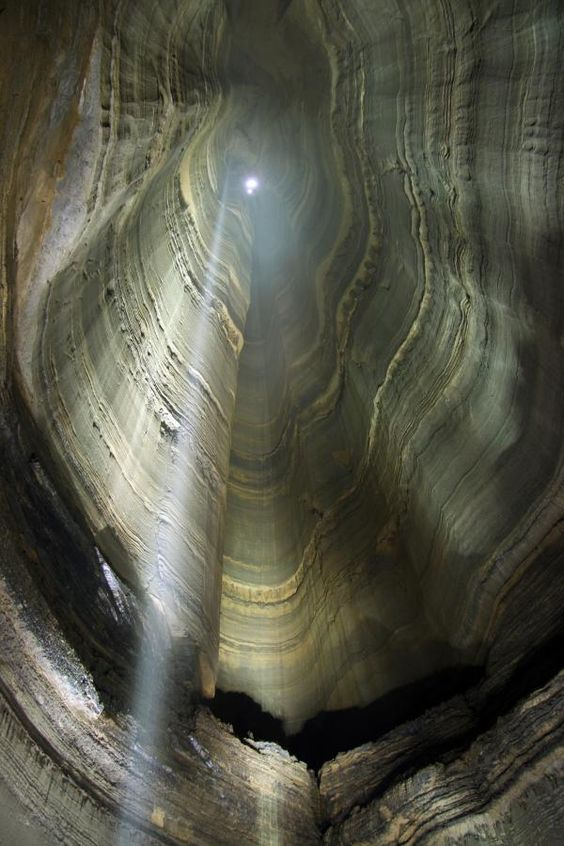 Most Amazing & Adventurous Caves Of The Universe (46)