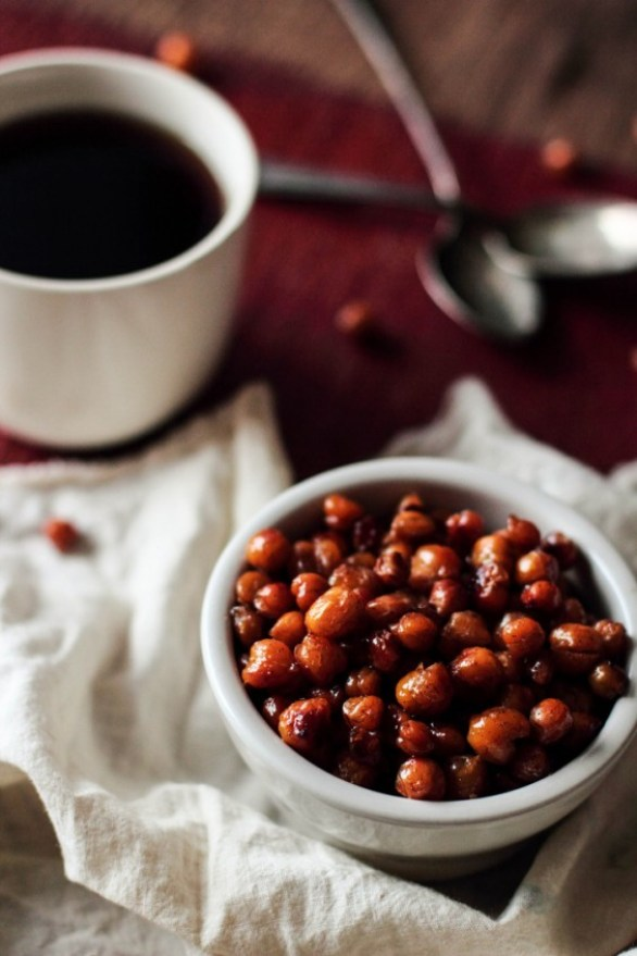 Detox Recipes: Maple Roasted Chickpeas
