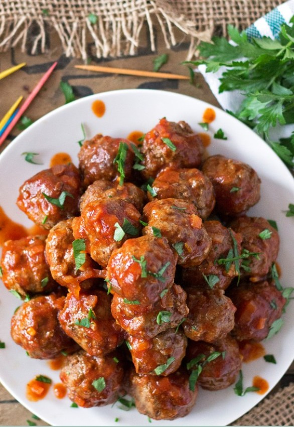 Spicy Sriarcha Party Meatballs