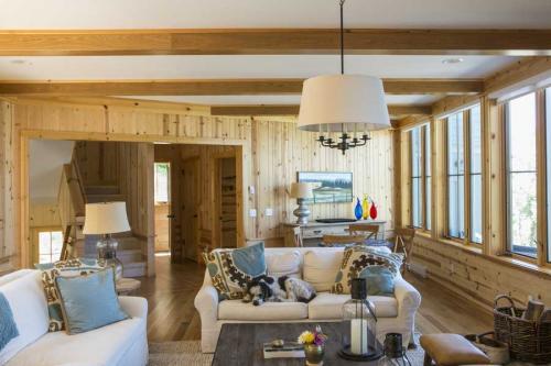 Gjaja-Living-room