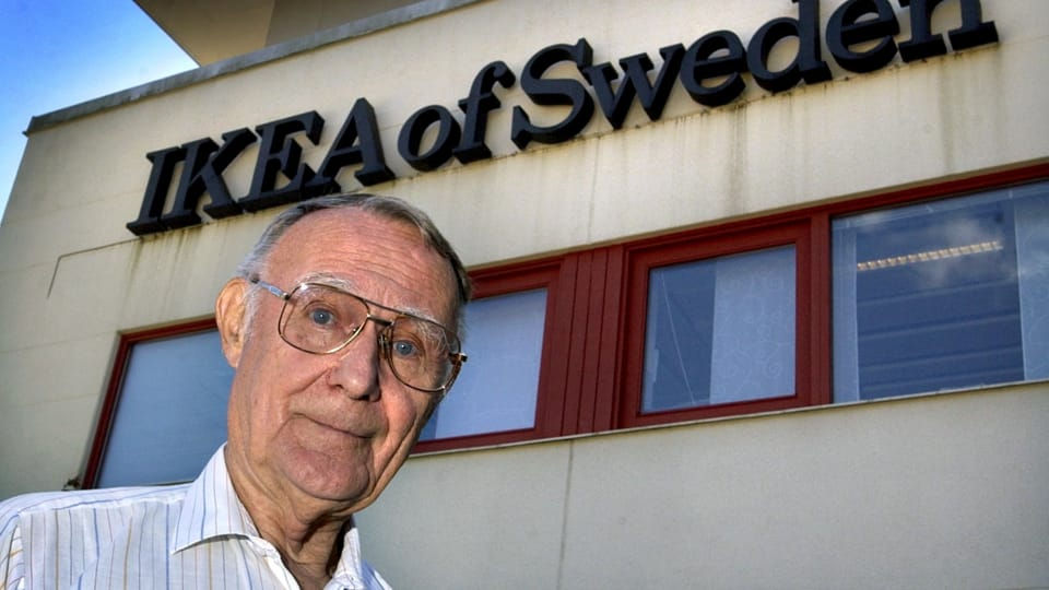 Archive photo of IKEA founder Ingvar Kamprad in front of the company's headquarters in Almhult, Sweden. Photo: TT Press Agency