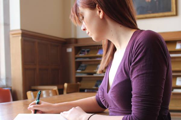 graduate-diploma-in-accounting-Waikato Institute of Technology(WINTEC)-a-girl-student-writing-accounts-optimized-f