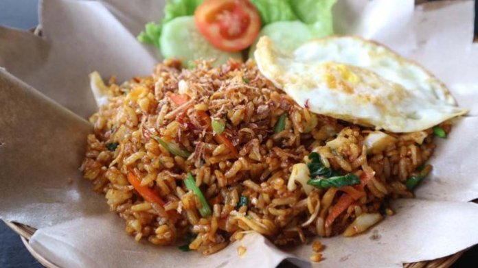 nasi goreng indonesia legendary culinary