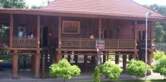 nuwo sesat, lampung traditional house