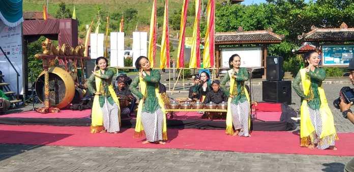 tradisi tayub pati