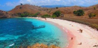 pantai pink labuan bajo