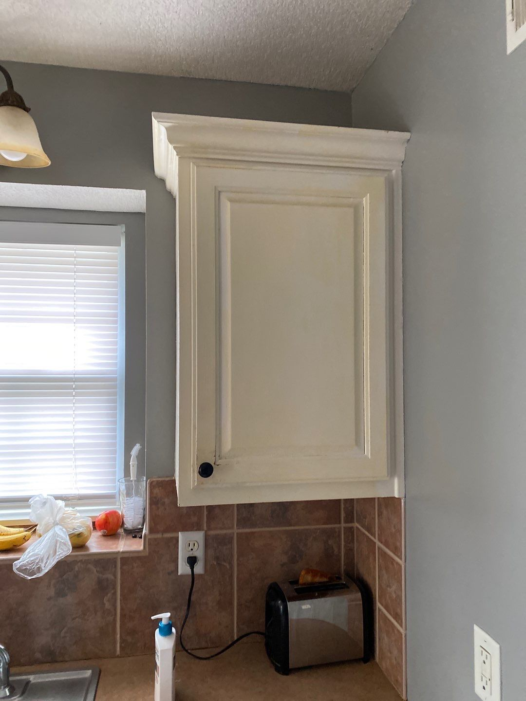 3 Mar 16 2020 01 34pm j94P - Why it's expensive to paint cabinets - Overland Park