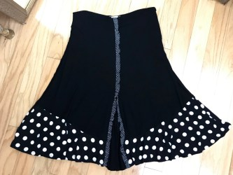 $29 Sz S Mia Polka Dot skirt