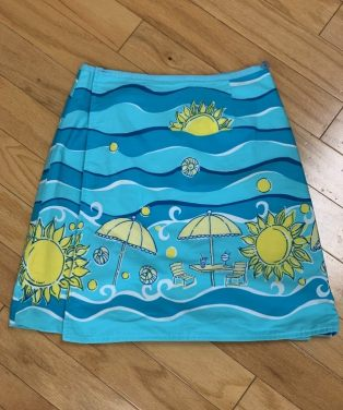 $59 size 4 Lilly reversible skirt