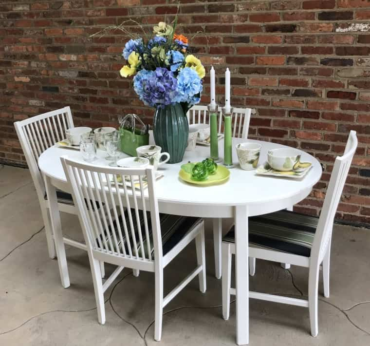 Table with one leaf and 4 chairs $125