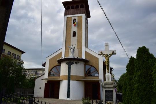 biserica-francisc1