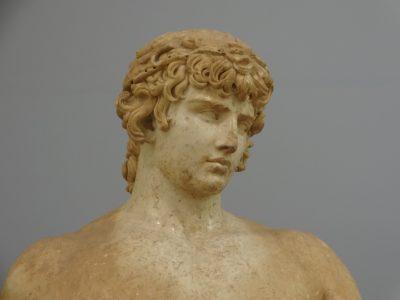 デルフィ博物館アンティノス像