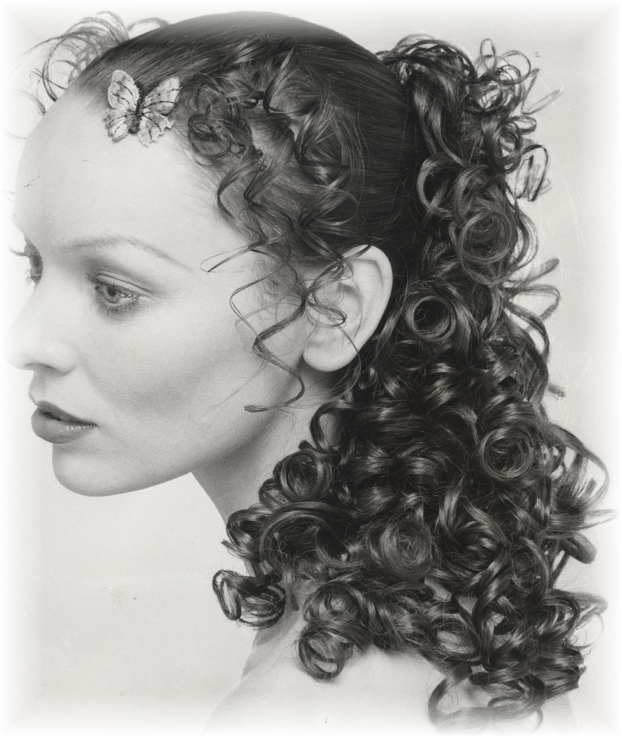 Koukles With Boukles Greek Girls With Curls Tips And