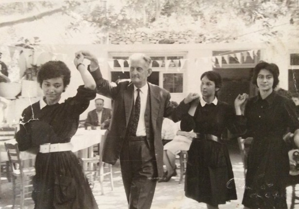 Traditional Greek Dances – An interview with Nikos Bariamis