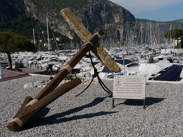 stone Greek anchor was discovered in La Baie d'Anao (Beaulieu)and dates back to the 6th century BC. It's on display by the harbour where it was found – Beaulieu-sur-Mer. Photo:Monte Carlo Daily