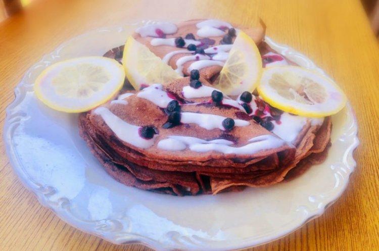 Keto choco crepes with lemon yoghurt sauce