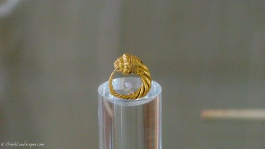 Gold ring with lion's head