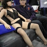 Roxxxy: Η πρώτη γυναίκα ρομπότ του SEX!!