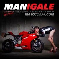 Άντρες ποζάρουν με γυναικεία ρούχα σαν μοντέλα με μηχανή Ducatti..!!
