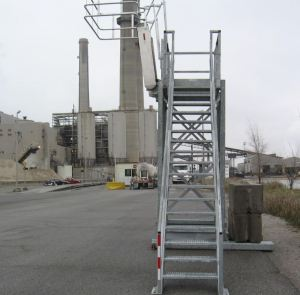 Removable 'Insta-Rack' Platform | Easy-to-Relocate Access Platform for Tank Trucks or Railcars by GREEN