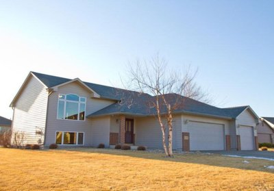 2209 S. Chesapeake Circle Sioux Falls, SD 57106