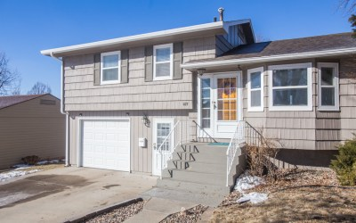 1417 S. Comet Rd. Sioux Falls, SD 57103