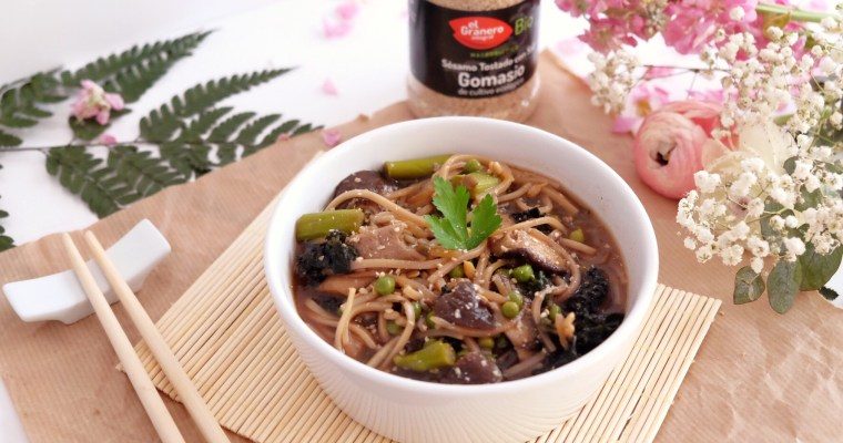 Asiatic noodles with miso soup