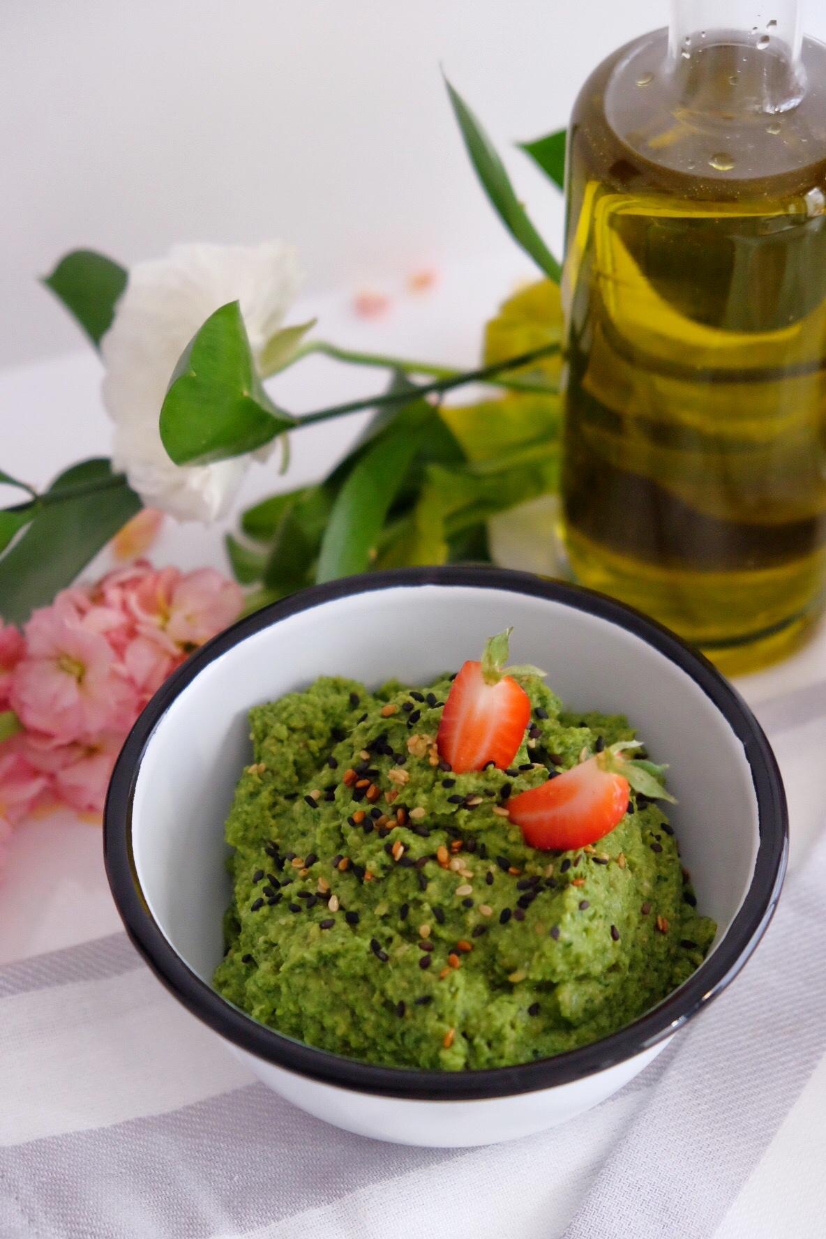 Hummus de espinacas y brócoli