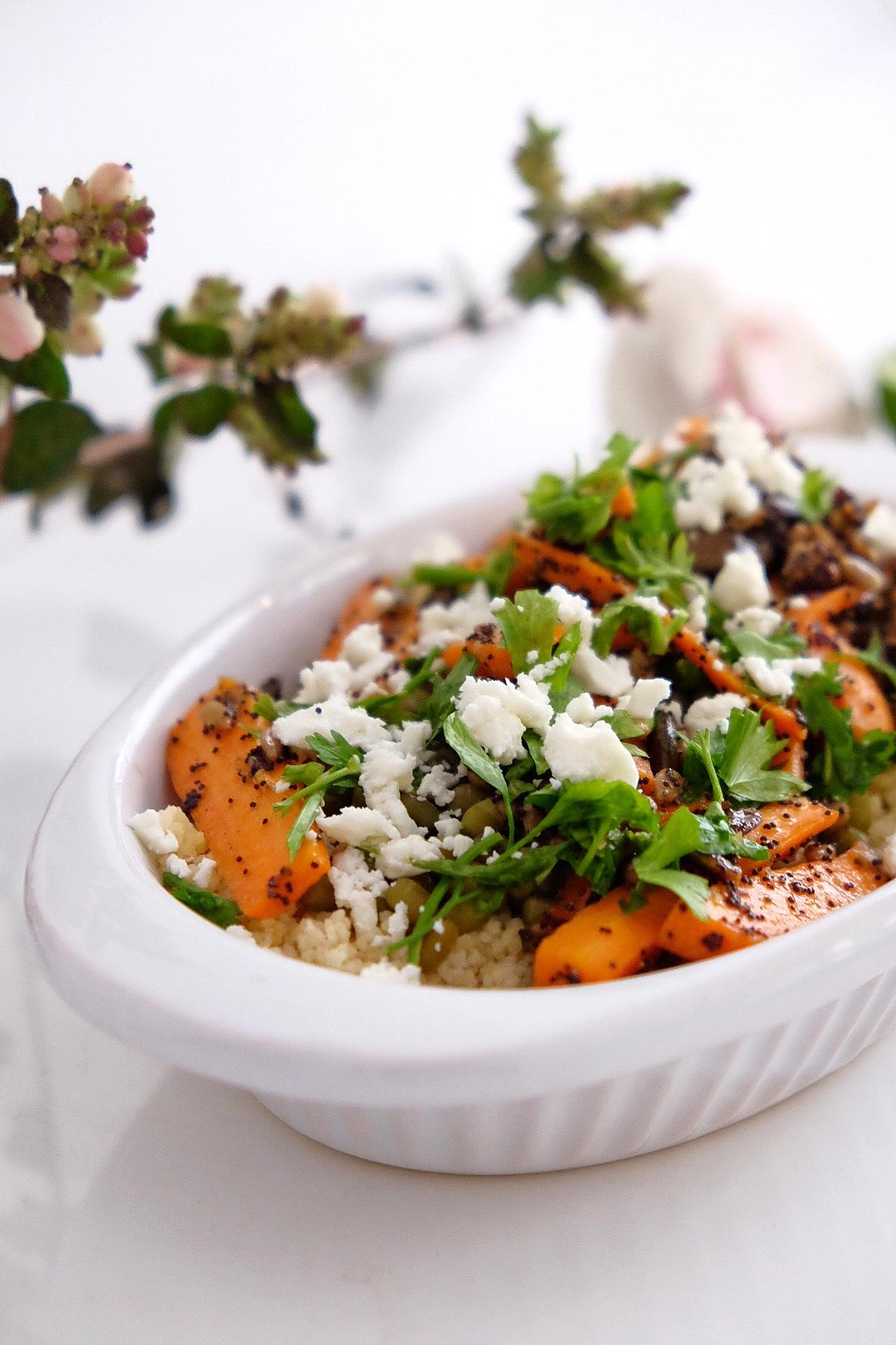Sémola con semillas tostadas y verduras