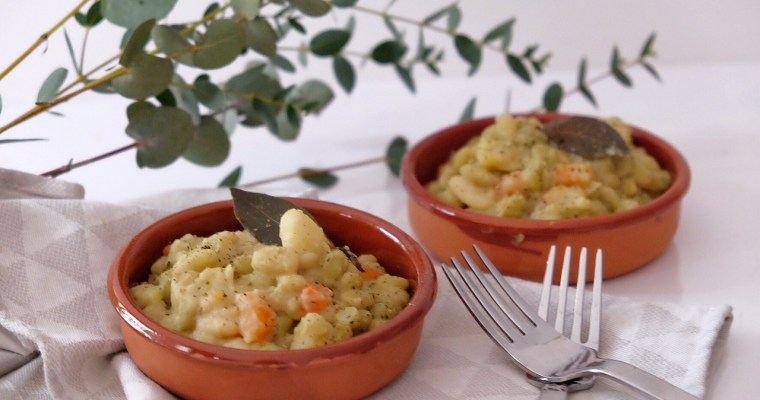 Vegetarian stew with potatoes, carrots and green flageolet beans